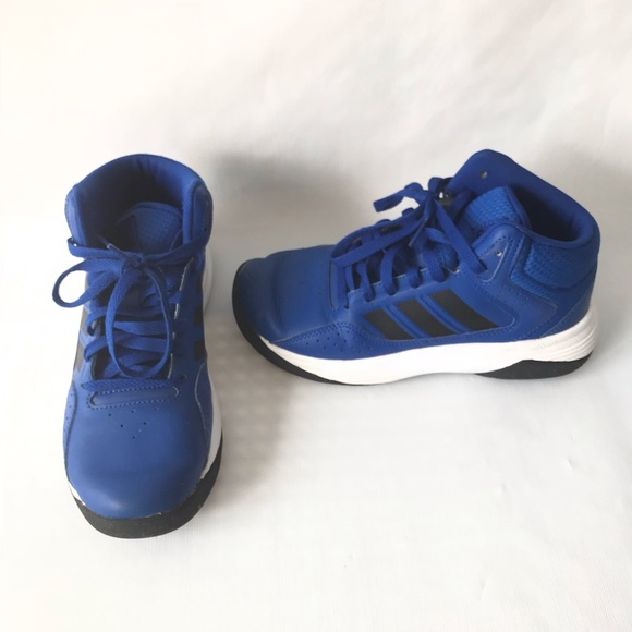 785ae11862 Big Boys Adidas High Top Sneakers size 3.5